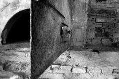 SAM_0041 (anna podkowinska) Tags: noir blanc white black bialy czarny four piec oven porte drzwi door