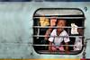 Bhadrak le curieux (Ma Poupoule) Tags: inde india enfant enfants children train fenêtre bhadrak asie photographevoyageur