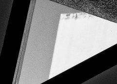 Pitagora (matteo.reggio) Tags: blackwhite black blanconegro blancetnoir bw bcn barcelona cataluña windows sky minimal minimalist light fujifilm xt2 16mm