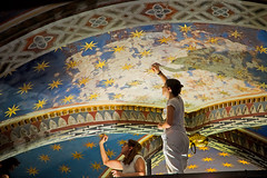 Restorers in Florence (Pablo Utrilla) Tags: monument streetphotography woman florence working italy italia art job ceiling color