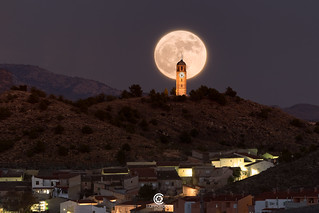 Last year's supermoon behind the Big Ben of La Mancha - Tobarra (Albacete, Spain)