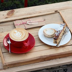 Morning caffeine boost ✅ Christmas mood food ✅ Present for awkward one to buy for sorted ✅ . These cold, crisp mornings are so much easier with a warming cappuccino with a mince pie and/or toasted stollen (bombompatisserie) Tags: loughborough cake cafe bom patisserie