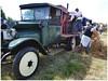 Camion Berliet presse à cidre. (abac077) Tags: villaroche lalocomotionenfête2017 berliet camion truck cidre pommes people