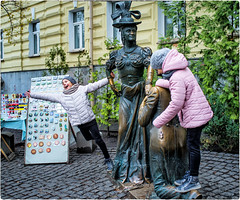 "#18 Children near ""Blessing for marriage"" statue (Visavis..) Tags: chasingtwohares kyiv ukraine statue fujix100 children andriyivskyydescent streetphotography"