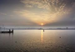 erste Farben am Morgen (wolfi-rabe) Tags: morgenlicht morgensonne ostsee kiel kielerförde gegenlicht