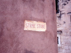 Strme stube - Steep stairs (Bambola 2012) Tags: dalmatia dalmacija dalmazia hrvatska croatia croazia stairs scale stepenice skale štenge strme steep scosceso šibenik summer estate ljeto