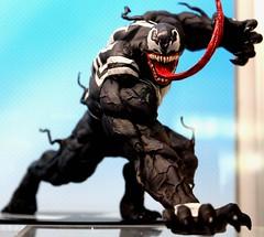 2017-Marvel's Venom Statue by Artfx at SDCC-01 (David Cummings62) Tags: sandiego ca calif california comiccon con david dave cummings 2017 statue artfx marvel comics venom spiderman