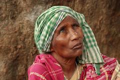 Je voudrais voir... (Ma Poupoule) Tags: aveugle blind marché market inde india asia nandapur face porträt portrait visage ritratti ritratto foulard