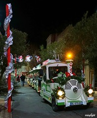 Le petit train de Noël (Missfujii) Tags:
