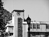 Edificio de la Faculta de Derecho - Universidad de Chile (1938) (Calvipitecus) Tags: calvipitecus chile fujifilmfinepixt350 bw blancoynegro blackandwhite silverefexpro2 santiagocentro facultadederecho universidaddechile