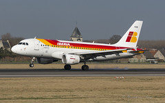 IBE_A319_ECKUB_BRU_FEB17 (Yannick VP) Tags: civil commercial passenger pax transport aircraft airplane jet jetliner airliner ibe ib iberia airbus a319 319100 eckub brussels airport bru ebbr belgium be bel europe eu february 2017 25l