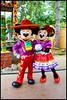 Mickey et Minnie (ramonawings) Tags: mickey minnie minniemouse mouse mickeymouse thewitch witch sorciere lasorciere lareine reine thequeen queen gaston donald donaldduck disney disneyland disneylandparis paris france halloween halloween2017 dlphalloween2017 dlp
