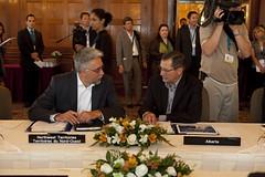 Premiers/premiers ministres Roland and/et Stelmach during the meeting/durant la rencontre