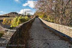 Puente de San Miguel, Jaca (Jose Antonio Abad) Tags: puente joséantonioabad jaca paisaje aragón pública naturaleza edadmedia arquitectura españa huesca jacetania es