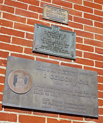 Knox County Courthouse, Mt. Vernon, OH (Robby Virus) Tags: mtvernon mt vernon mount ohio oh knox county courthouse court house plaque historic historical national register brick wall gordon bone