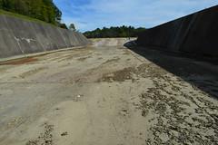 Cowan Lake spillway, dry (Kyle Hartshorn) Tags: unitedstates northamerica ohio clintoncounty cowanlake cowanlakestatepark ohiostateparks