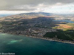 171209-10 HNL-NRT-04.jpg (Bruce Batten) Tags: shadows usa hawaii trips occasions oceansbeaches subjects northpacificocean cloudssky atmosphericphenomena aerial businessresearchtrips locations surfwaves ewabeach unitedstates us