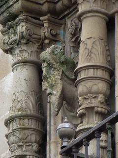 Balcon d'angle, Palacio del Marqués de la Conquista (XVIe), Plaza Mayor, Trujillo, province de Caceres, Estrémadure, Espagne.