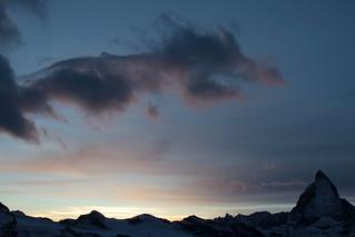 Matterhorn - Mont Cervin - Monte Cervino ( VS - I - 4`478 m - Erstbesteigung 1865 - Viertausender - Berg montagne montagna mountain ) in den Walliser Alpen - Alps bei Zermatt im Mattertal - Nikolaital im Kanton Wallis - Valais der Schweiz und Italien