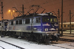 PKP IC EU07-077 , Kraków Płaszów train station 30.11.2017 (szogun000) Tags: kraków poland polska railroad railway rail pkp station krakówpłaszów engine locomotive lokomotywa локомотив lokomotive locomotiva locomotora electric elektrowóz eu07 eu07077 pkpic pkpintercity d2991 d2994 d29100 d29112 d29604 d29605 e30 winter snow night nightshot małopolskie małopolska lesserpoland canon canoneos550d canonefs18135mmf3556is