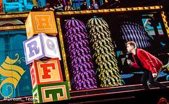 Sinterklaasshow Studio 100 (Dream-Team Pictures) Tags: sinterklaas zwartepiet zwarte piet k3 studio100 sportpaleis sexy girls boys blue people veelvolk kindjes child children santa claus plop samson samsonengert ghostrockers pietpiraat megamindy mega mindy rox tinneoltmans marieverhulst colors colorfull nachtwacht dancing giovannikemper james lollylolbroek lolly bumba mayadebij maya
