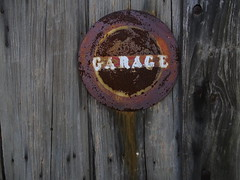 Garage (drager meurtant) Tags: rust sign historic dragermeurtant garage decay fading