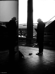 the feud glove (René Mollet) Tags: blackandwhite bw basel backlight street streetphotography silhouette streetart streetphotographiebw station renémollet
