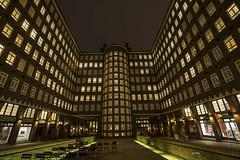 Sprinkenhof (hph46) Tags: hamburg sprinkenhof deutschland germany nachtaufnahme architektur symmetrie backstein sony alpha7r canonef1635mm14lisusm