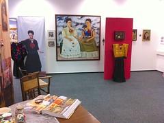 Frida Kahlo im Kunstmuseum Gehrke-Remund Baden-Baden (kunstmuseumgehrke-remund) Tags: fridakahlo frida kahlo frieda badenbaden kunst kunstmuseum gehrke remund gehrkeremund art ausstellung exhibition artexhibition museum museo gemälde fotografien diego diegorivera rivera mexico kleider dresses paintings schmuck juwelery photo