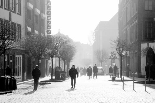 Light in the street / Straße im Licht