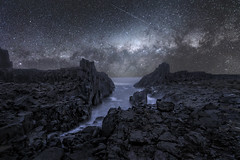 Bombo Quarry (Bill Thoo) Tags: bombo bomboquarry kiama nsw newsouthwales australia stars milkyway drama quarry waves rocks sea ocean dark sony a7rii ilce7rm2 batis zeiss 18mm