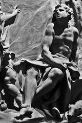 The Judgment of Paris (1707) (just.Luc) Tags: edinburgh edinbourgh nationalmuseumofscotland museum museo musée royaumeuni verenigdkoninkrijk unitedkingdom grootbrittanië grandebretagne greatbritain scotland schotland ecosse seminude seminu halfnaakt halfnaked bn nb zw monochroom monotone monochrome bw man male homme hombre uomo mann garçon boy jongen junge knabe knaap nu nude nudo desnudo naakt nackt naked art kunst public publiek terracotta terracota terrecuite europa europe museet