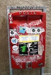 SONY DSC (Isabelle MOREL (Lucifer013)) Tags: boîteauxlettres italie sticker rouge