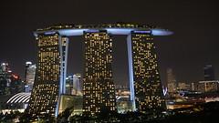 Singapur - Marina Bay Sands Hotel at Night (tempoworld.net) Tags: city night building hotel skyscraper singapur singapore asia sky lights skyline tempoworld