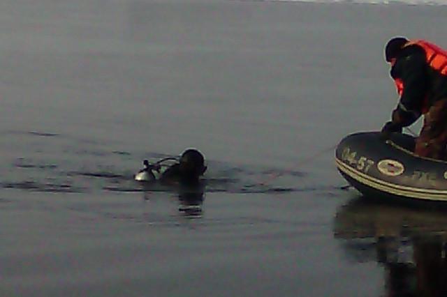 Самарские cотрудники экстренных служб три дня искали утонувшего рыбака, укоторого прохудилась лодка