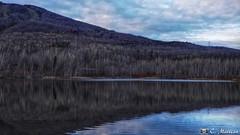 171108-37 Mont Ste-Anne (clamato39) Tags: montagnes mountain montsteanne provincedequébec québec canada ciel sky clouds nuages eau water blue