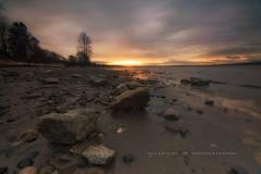 A glimpse of Sunlight (nel.aboloc) Tags: inwhiterock sunrise gloomymorning beautifulbc nikoncanada