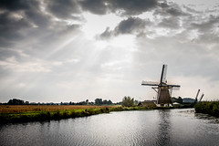 Mill in Abcoude (Bart van Dijk (...)) Tags: mill dutch thenetherlands landscape landschap groenehart nederland water hollands molen sunrays greenheart bartvandijk abcoude breeblebox