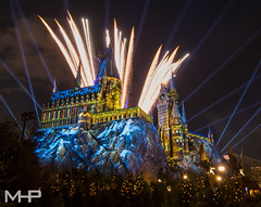 A Very Merry Hogwarts Christmas (rcpromike) Tags: wizardingworldofharrypotter castle orlando universal universalorlandoresort sonyalpha universalorlando sonya65 sony christmas holiday hogwarts fireworks harrypotter uor hogwartscastle wwohp islandsofadventure wizardingworld ioa themepark projectionmapping florida