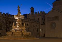 nettuno (Paolo Dell'Angelo (JourneyToItaly)) Tags: piazzaduomo trento trentinoaltoadige italia bluehour italy fontanadelnettuno sculpture architecture