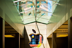 Apple (Thomas Hawk) Tags: america apple applecomputer applestore chitown chicago illinois usa unitedstates unitedstatesofamerica us fav10 fav25
