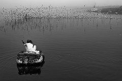 Yamuna Ghat (Rk Rao) Tags: bw blackandwhite morningbeauty migratorybirds morningglory movement monochrome travel yaminaghaat oldman cleaning fineart fineartphotography art artistic mesmerising delhi india