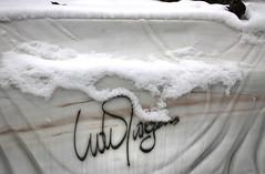 Udo Jürgens (mkappweiler) Tags: austria vienna wien cimetière cemetery graveyard zentralfriedhof central grab grave tomb artist singer composer sign signature unterschrift handschrift handwriting snow schnee neige winter hiver