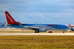 SunWing Airlines With Split Scimitar Winglets C-GQWM (shumi2008) Tags: sunwingairlines sunwing737 boeing737 b737800 toronto pearsonairport yyz cyyz