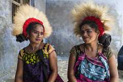 Kulasekarapattinam Dasara 2017 (Ravikanth K) Tags: 500px kulasekarapattinam tiruchendur dasara mathuramman temple festival people artists women costume dance t dancetroupe relaxing sitting twopersons india tamilnadu headaccessory smile cwc chennaiweekendclickers cwc613