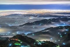 ~藍寶石琉璃~ Colored glass light (Shang-fu Dai) Tags: 台灣 taiwan 南投縣 集集 clouds fog nikon sky 雲海 琉璃 coloredglasslight landscape liulilazurite formosa night 夜景 nightscene 風景 雲 戶外 天空 d800e