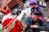 s3234_Errel2000_Sinterklaas begroet de kinderen aan wal (Errel 2000 Fotografie) Tags: errel2000 errel2000fotografie alphen alphenaandenrijn sinterklaas schimmel pieten pakjesboot intocht rondrit