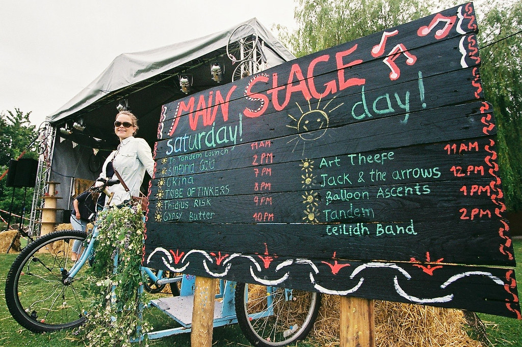 Tandem Main Stage Sign