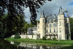 Château de Mont-l'Evêque (Philippe_28) Tags: montlevêque 60 oise château castle france europe