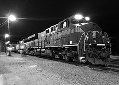 Pennsy in Title Town (Slow Freight) Tags: canadiannational wisconsin cn greenbay pennsylvania 8102 norfolksouthern ns heritage pennsy prr
